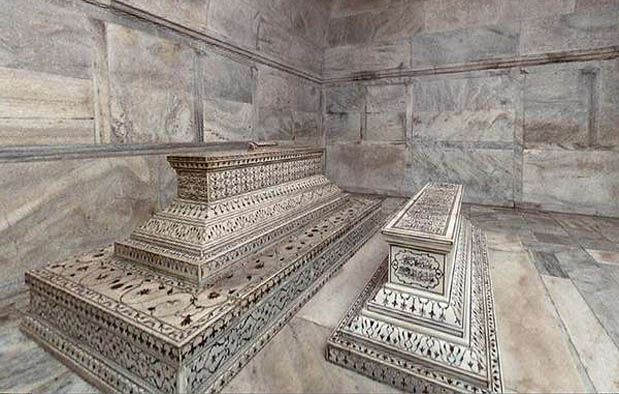 Taj Mahal yaitu sebuah bangunan moseleum di Agra Asal Usul Taj Mahal dan Kisah Misterinya yang Romantis
