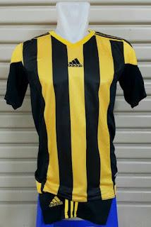 gambar desain terbaru photo kamera Setelan futsal Adidas Striped 2016 hitam kuning di enkosa sport toko online terpercaya