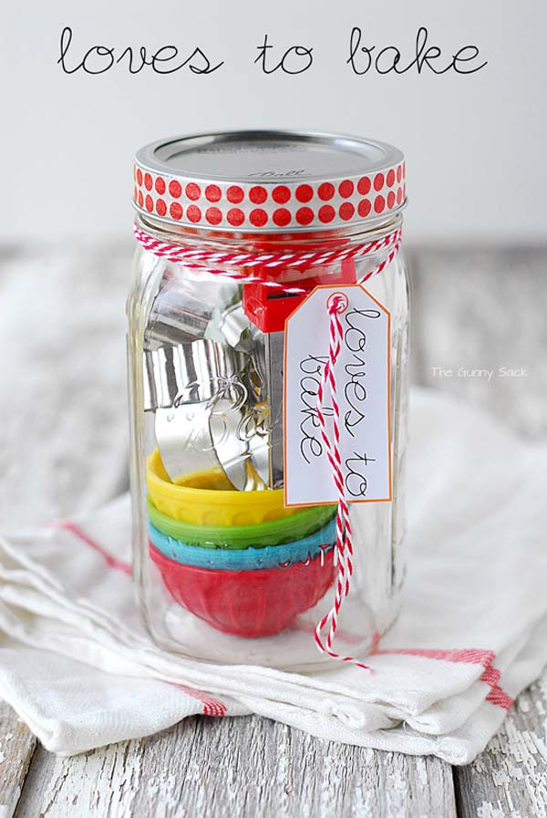 http://www.thegunnysack.com/2013/11/gifts-in-a-jar-homemade-gift-ideas.html