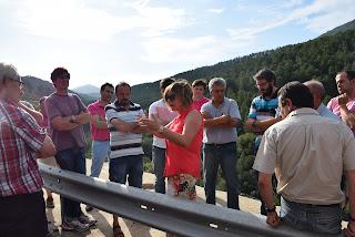 La presidenta de la Diputación visita la carretera junto a los alcaldes de la zona