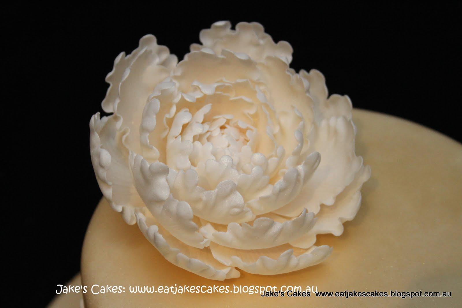 Jakes Cakes Peony Wedding Cake And Rose Cupcakes - Peony Wedding Cake