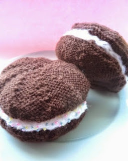 http://translate.googleusercontent.com/translate_c?depth=1&hl=es&rurl=translate.google.es&sl=en&tl=es&u=http://crazydaisy60.blogspot.com.es/2011/10/whoopie-pie-this-pattern-is-copyright.html&usg=ALkJrhizudhzT7ZWB-GAuBud5Hin-X626A