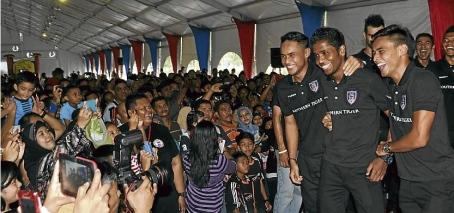 dalam senarai pemain yang akan menyarung jersi Johor Darul Takzim