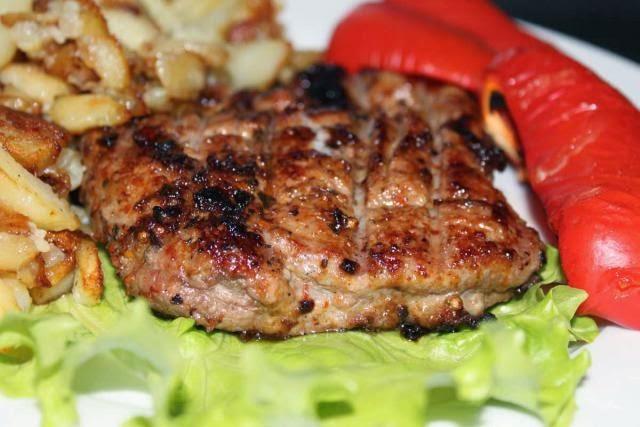 Жареный стейк свинины рецепт с фото