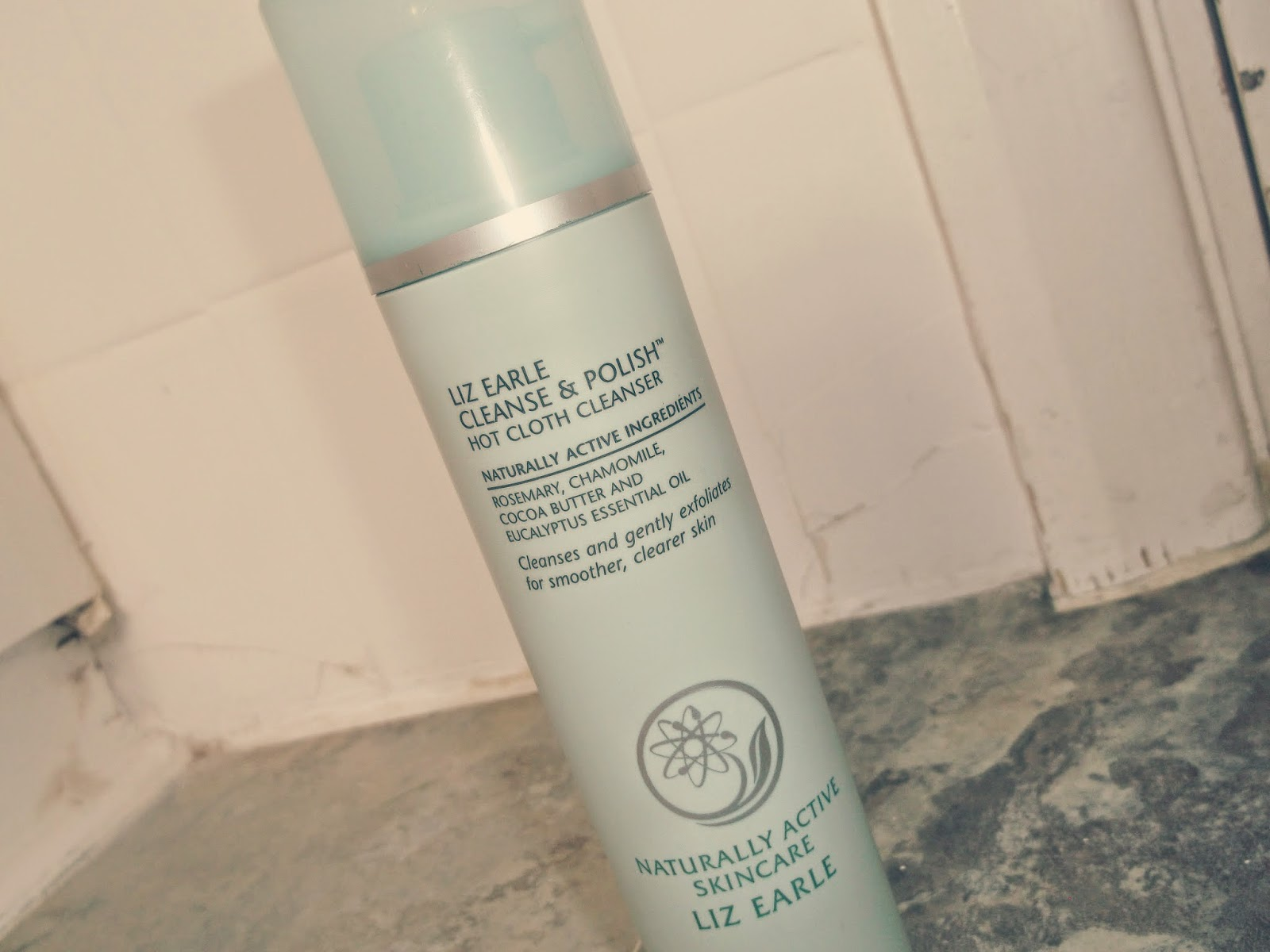 Liz Earle Cleanse & Polish Review