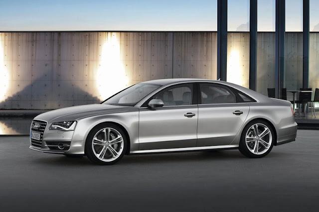 2013 Audi S8 Sedan Grey Wallpaper