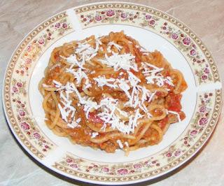 retete cu paste, retete culinare, spaghete milaneze, spaghete bolognese, spaghetti bolognese, retete italiene, spaghete italiene, paste cu sos, paste cu carne, mancare italiana, gastronomia italiana, bucataria italiana, food,