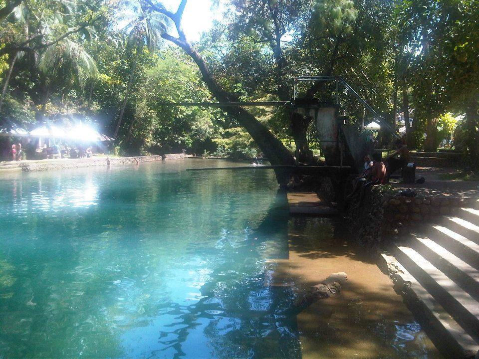 Geheimtipp: Schwimmen in einem abgelegenen Resort bei Malumpati in Pandan Antique