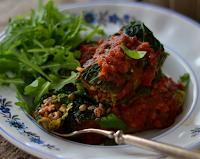 Rolinhos de Couve com Lentilhas, Nozes e Tomate Seco (vegana)