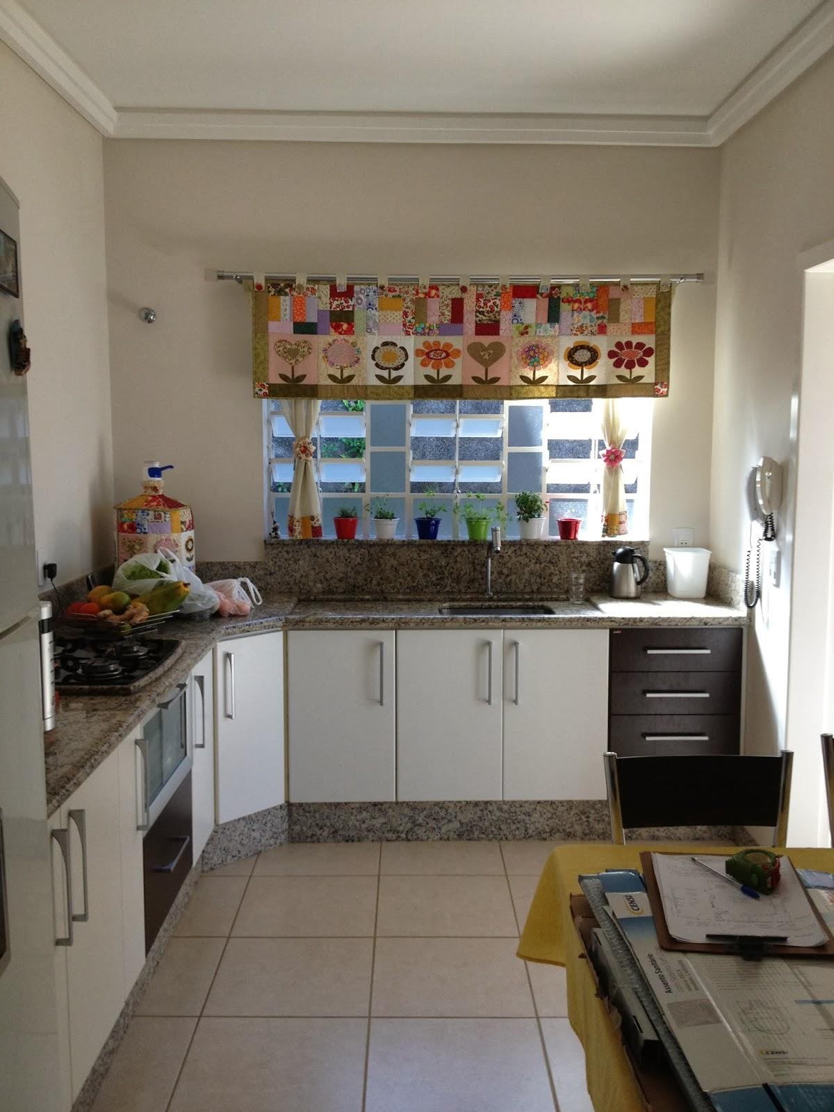 Tatiana Mussi Arquitetura e Interiores: Cozinha e Área de Serviço #3F648C 1200 1600