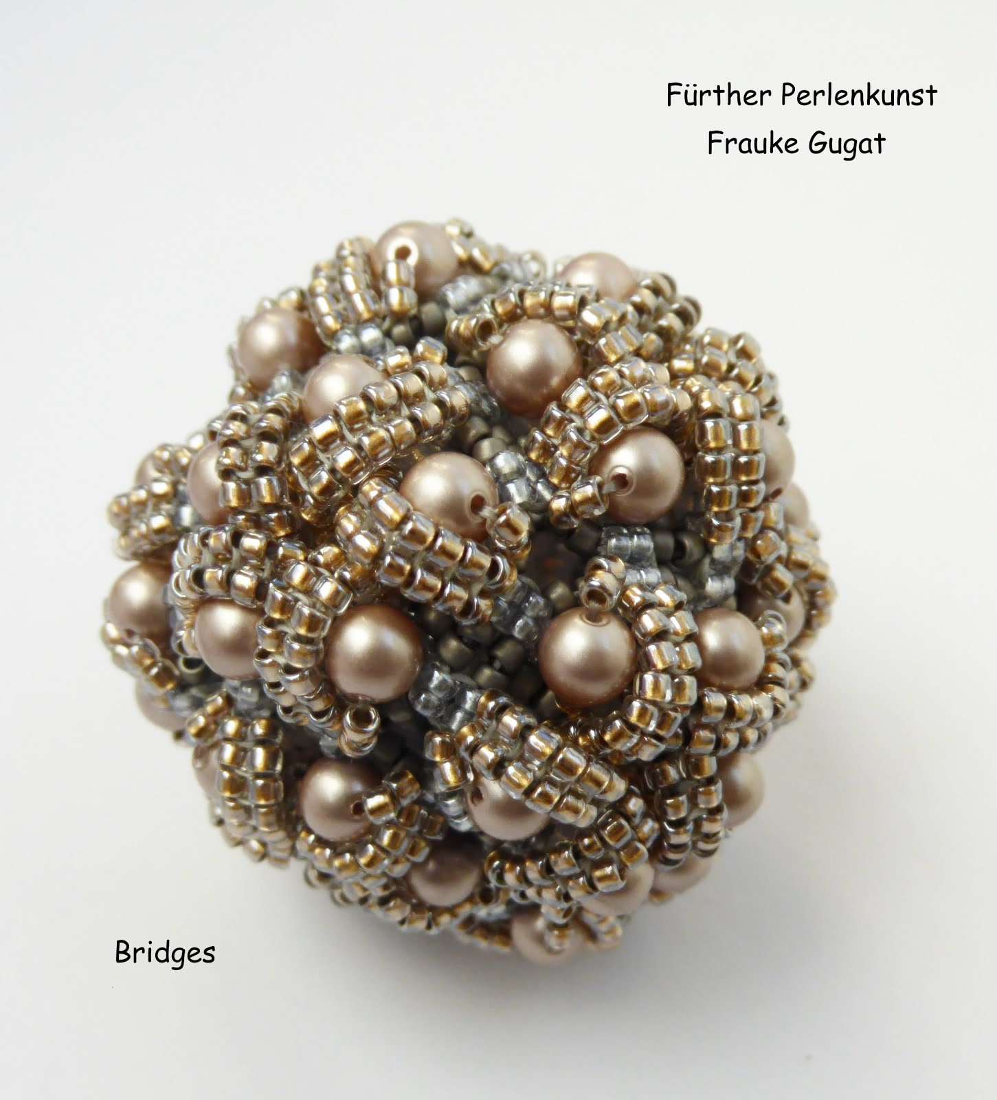 """Bridges I"" Armband, Kette, Kugel, Würfel und Dipyramide"