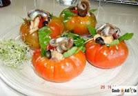 Tomates raf rellenos de atún y piquillos