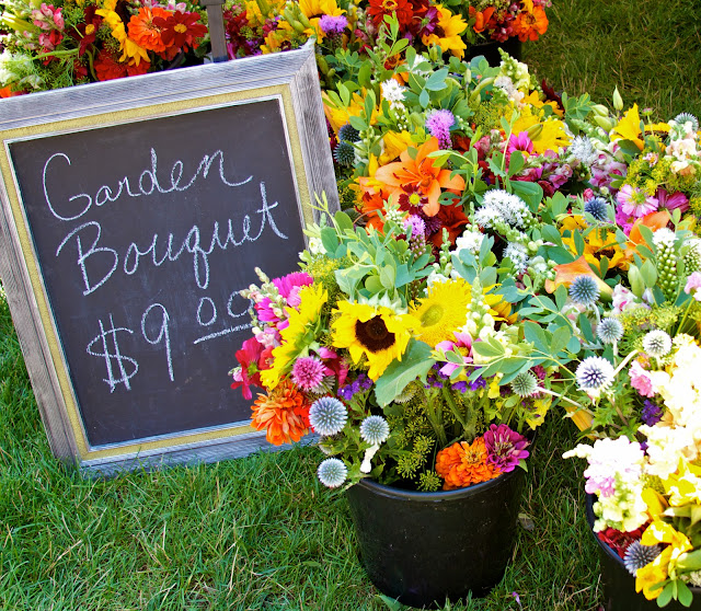 Garden flower bouquets. Michigan Farmers Market at the Capitol 2013. Tammy Sue Allen Photography.