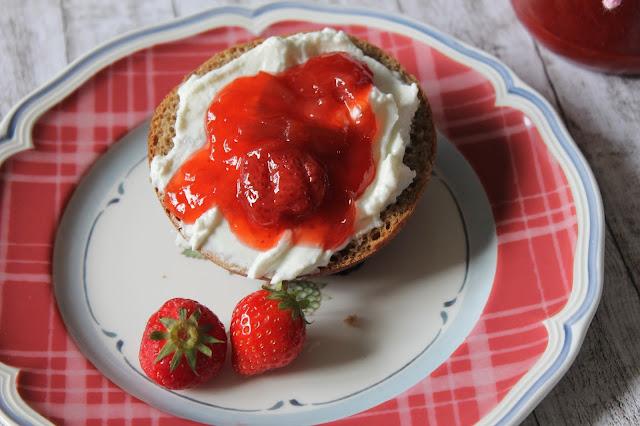 Erdbeer-Rhabarber-Marmelade selbermachen
