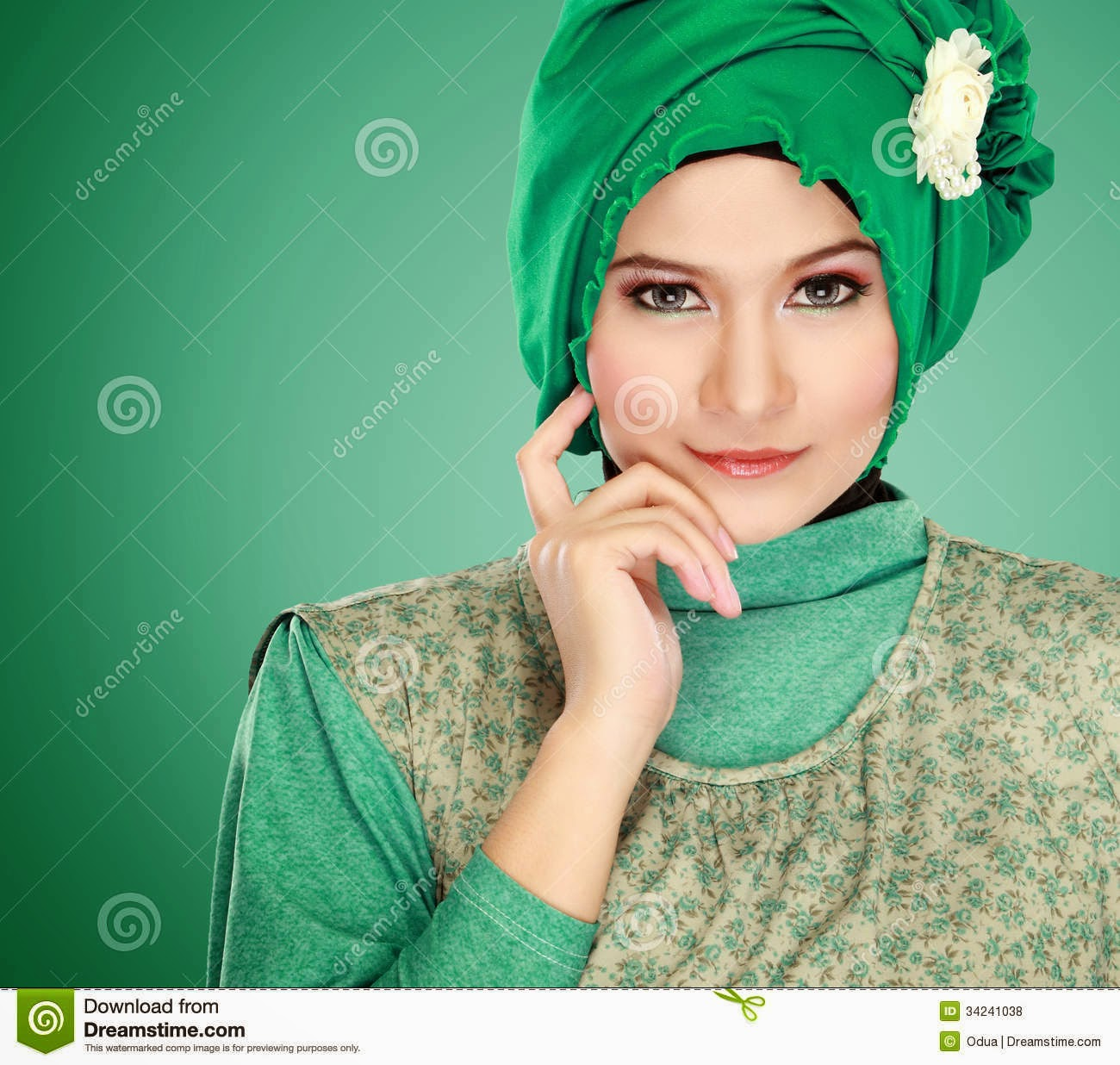 muslim single women in steep falls 'i felt contempt for women in  strap of sundress falls off shoulder while she hugs  she could get' on netflix show now she's a single mom.