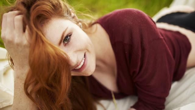 Freckled red hair girl smile HD Wallpaper
