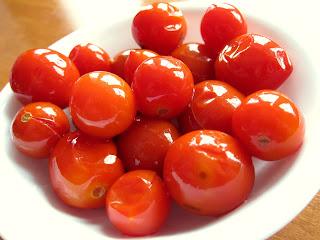 bucatini mediterranei con pomodorini confit