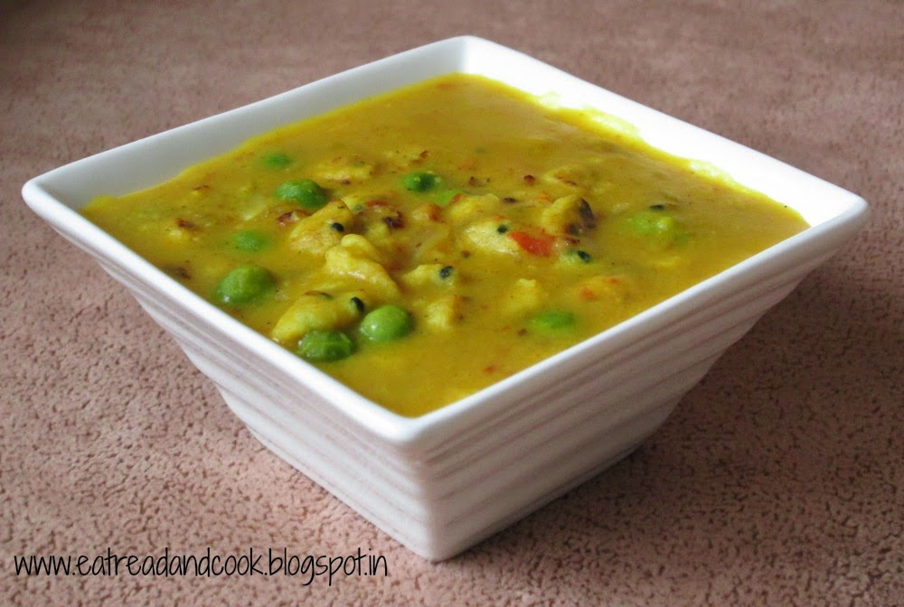 bengali style mung dal with bori recipe