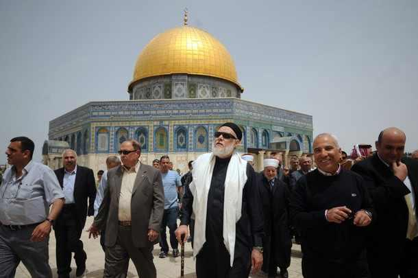 Mosque Aqsa Surrounded to The al Aqsa Mosque And