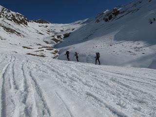 Aufstieg bei nicht ganz optimaler Schneeauflage