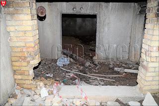 Разбор хлама в здании санатория