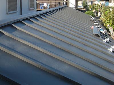 横浜市港北区 瓦屋根~ガルバリュウム鋼板桟葺き 屋根リフォーム 棟板金
