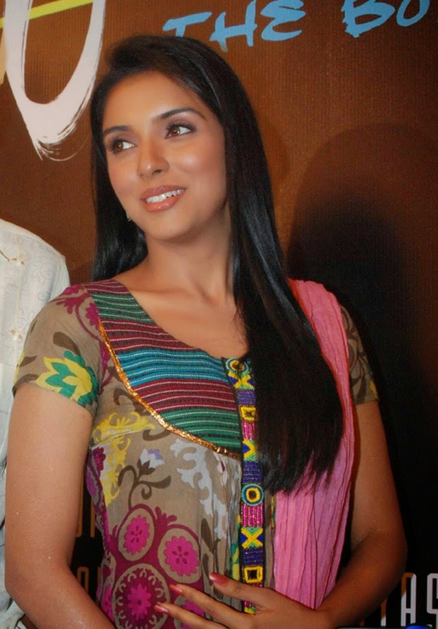A, Asin, Asin Hot pics, latest Actress HD Photo Gallery, Latest actress Stills, HD Actress Gallery, Telugu Movie Actress, Tollywood Actress, Hot Images, Indian Actress, Tamil actress asin latest stills photos