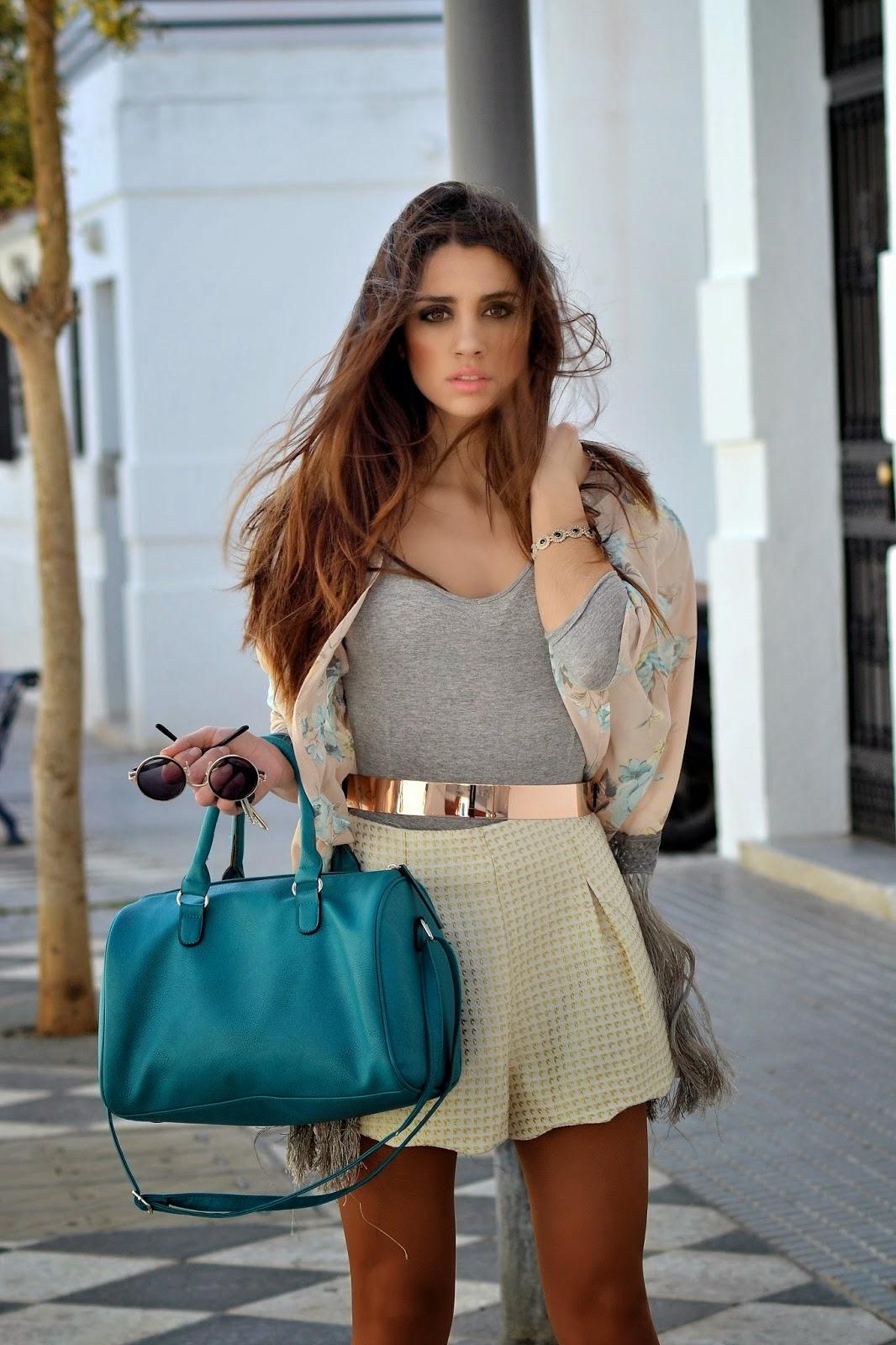 CONTACTO:       maricarmencarrionblog@hotmail.es