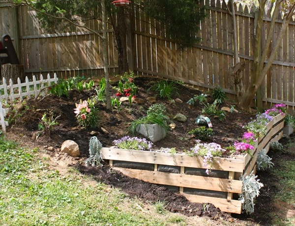 Wooden pallet garden sofa plans home designs for Gardening using pallets