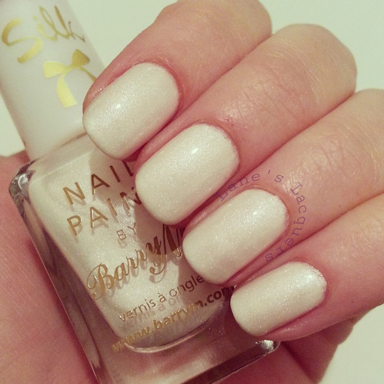 barry-m-silk-pearl-topcoat-swatch-nails