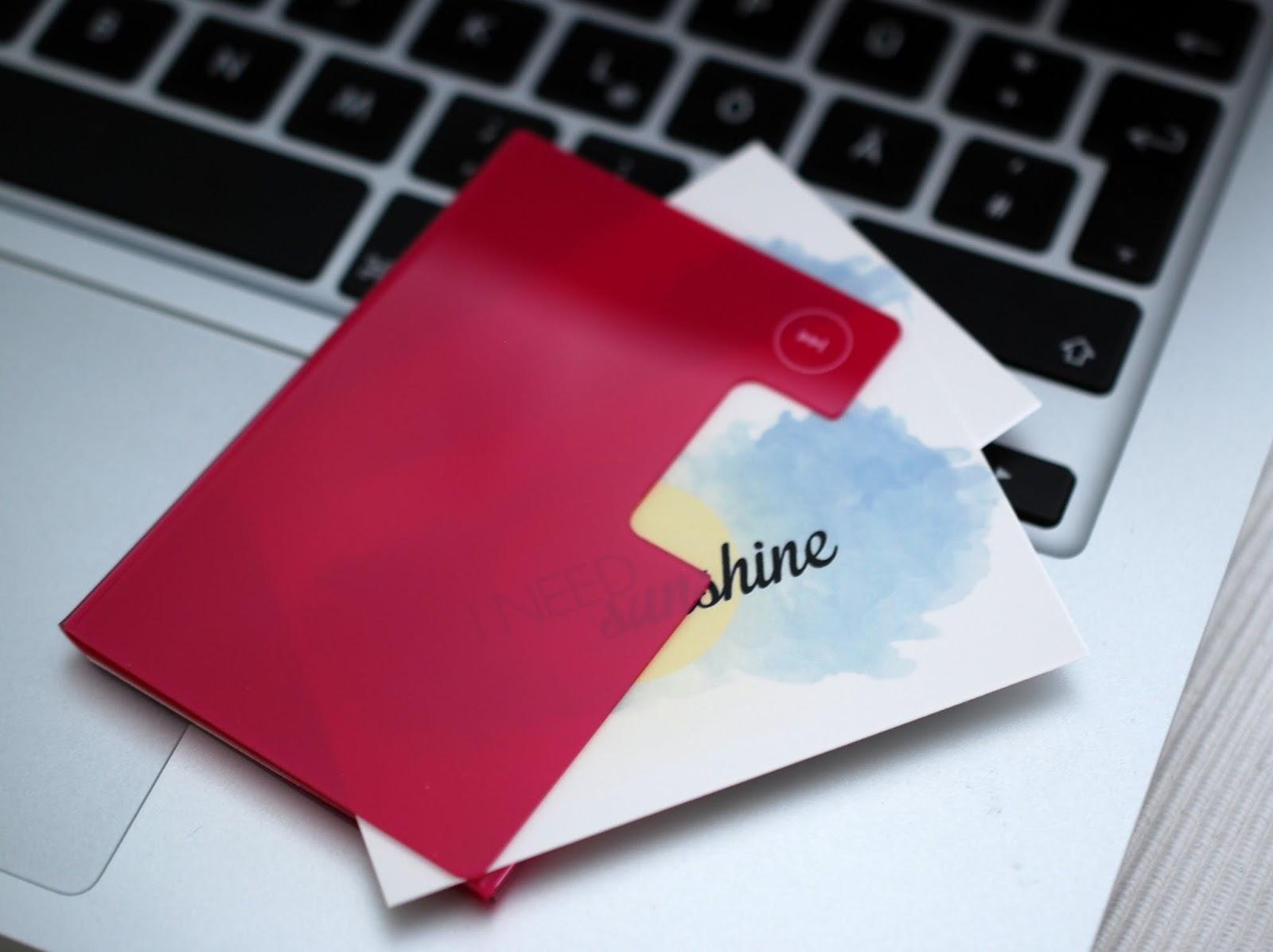 Pinkes Visitenkarten Etui von Moo für die Hemdtasche