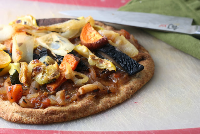 Roasted Veggie Pizza with Fresh Balsamic and Red Wine Tomato Sauce ...