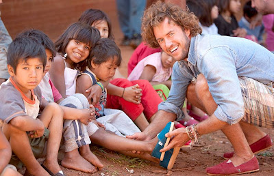 TOMS shoes Gives Back in the US