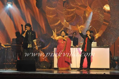 Priyanka, SRK & Other Celebrities perform at the GIMA awards !