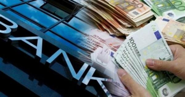 Οργιάζουν οι φήμες για κλειστές τράπεζες