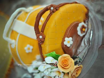 Fondant hand beg cake