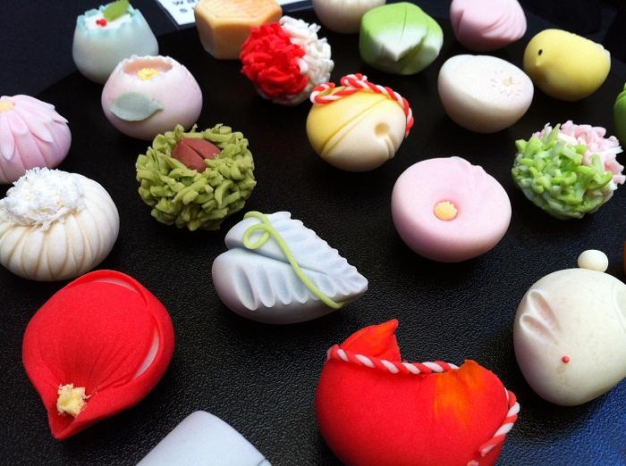 Món kẹo ngọt wagashi Nhật Bản