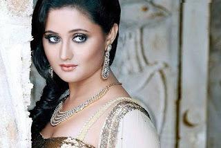 Biodata Lengkap Rashmi Desai Pemain Film Uttaran