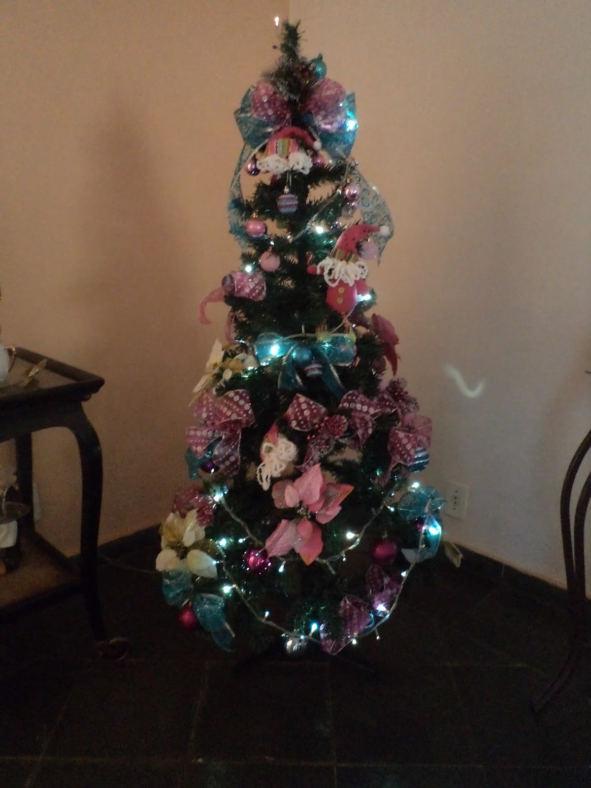 decoracao arvore de natal azul:Ideias & Soluções por Jesana Costa: Árvore de natal azul e rosa