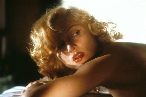 Madonna Body of Evidence 1993 movieloversreviews.blogspot.com