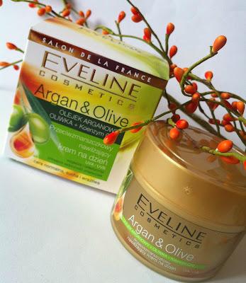 Eveline Argan & Olive  przeciwzmarszczkowy nawilżający krem na dzień