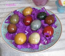 Βάψτε τα αυγά σας με φυσικά υλικά!