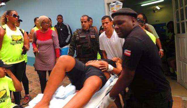 Nove pessoas ficam feridas após PM deixar metralhadora cair durante evento.