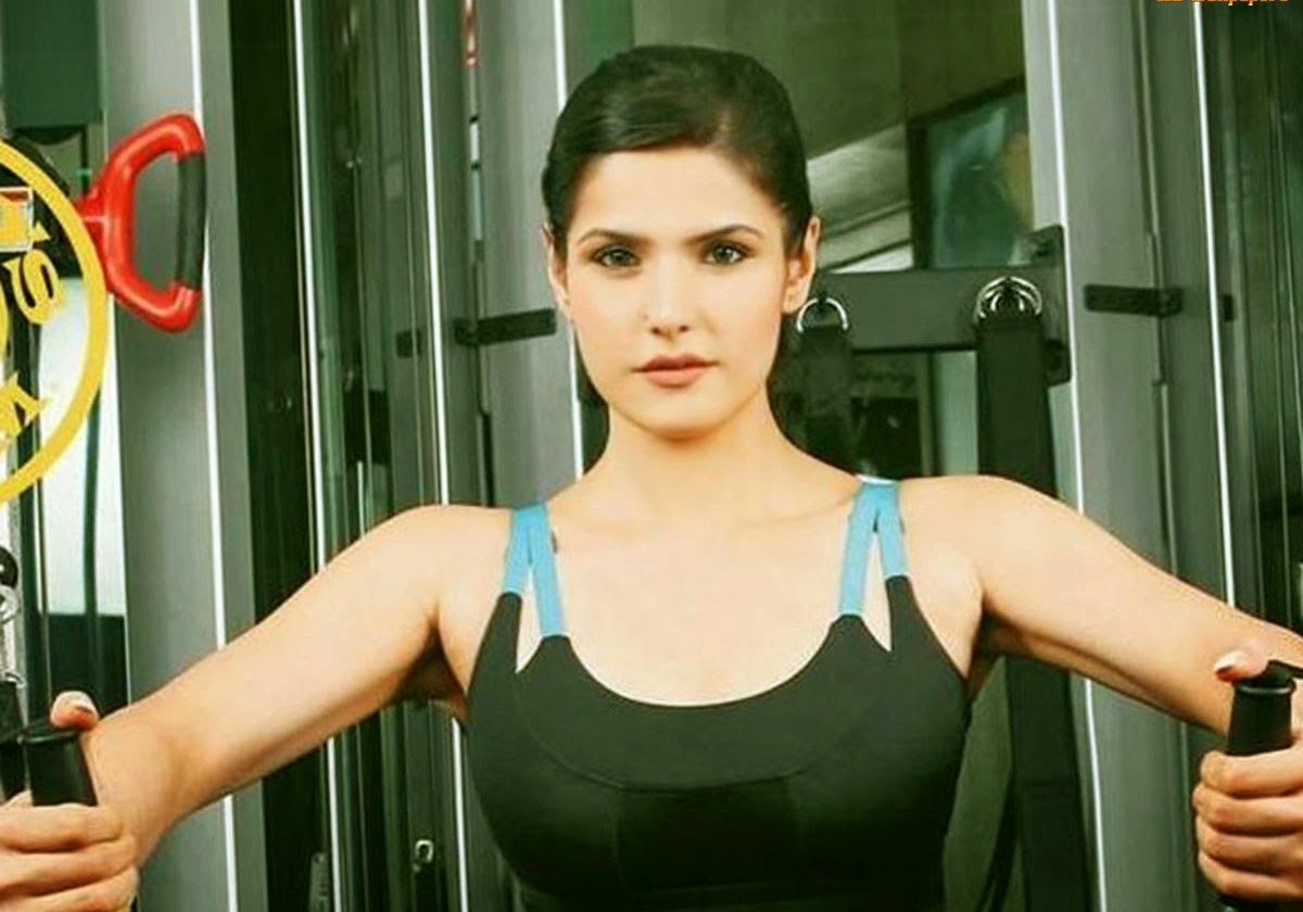 zarin khan in gym