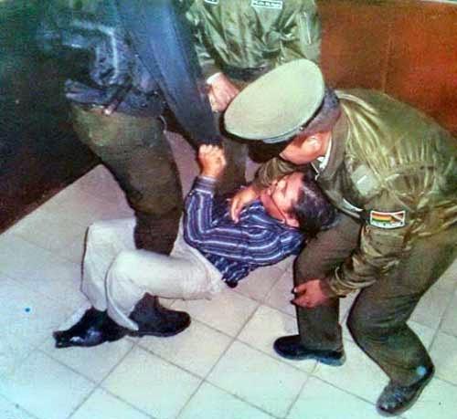 Marcelo Poma sale arrastrado por la Policía y el cómputo se estanca