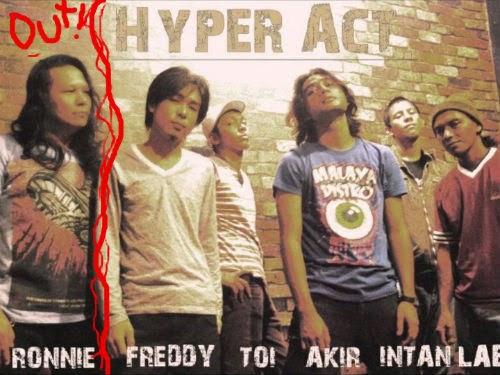 Ronnie Di Larang Nyanyi Lagu Hyper Act