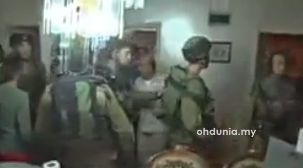 Video Memalukan: 14 Tentera Yahudi Ketakutan Bersembunyi Dalam Bilik