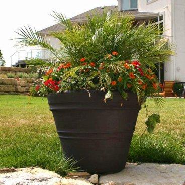 Arte y jardiner a el jard n en macetas - Maceteros plasticos grandes ...