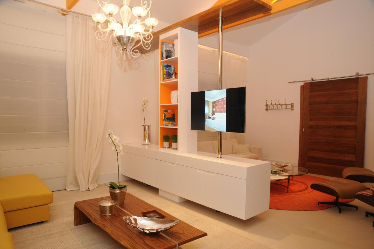Sala Com Tv Giratoria ~ fixar tv embutida na parede para fixar tv em móveis para fixar tv no