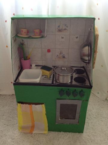 Una mamma con la lista una lista di 7 ispirazioni per creare una cucina giocattolo - Costruire un mobiletto ...
